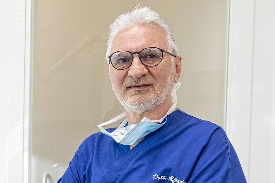 Dr. Alfredo Grossi - Dentista - Fondatore
