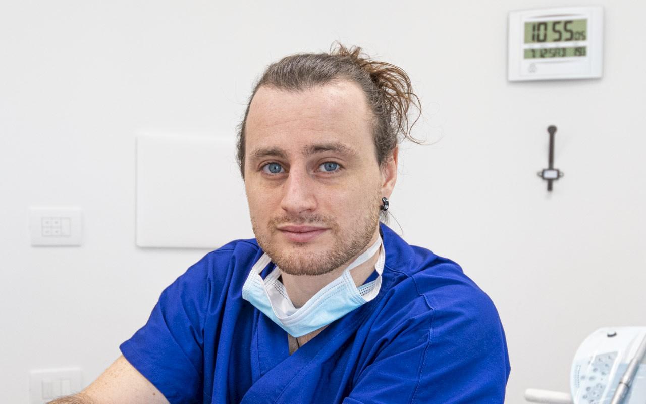 Dr. Mario Grossi