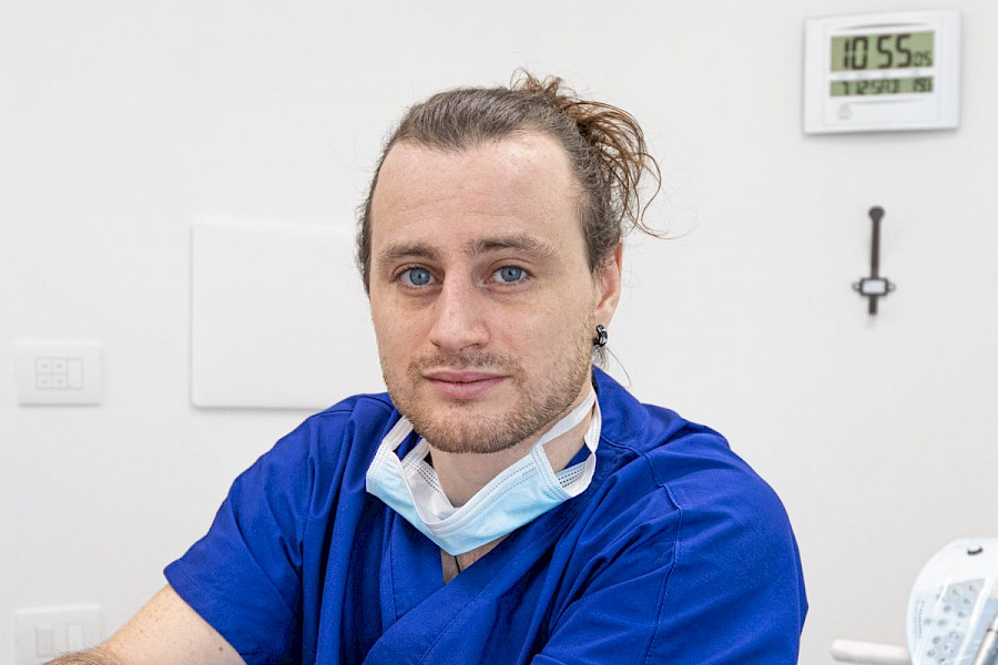 Dr. Mario Grossi - Dentista